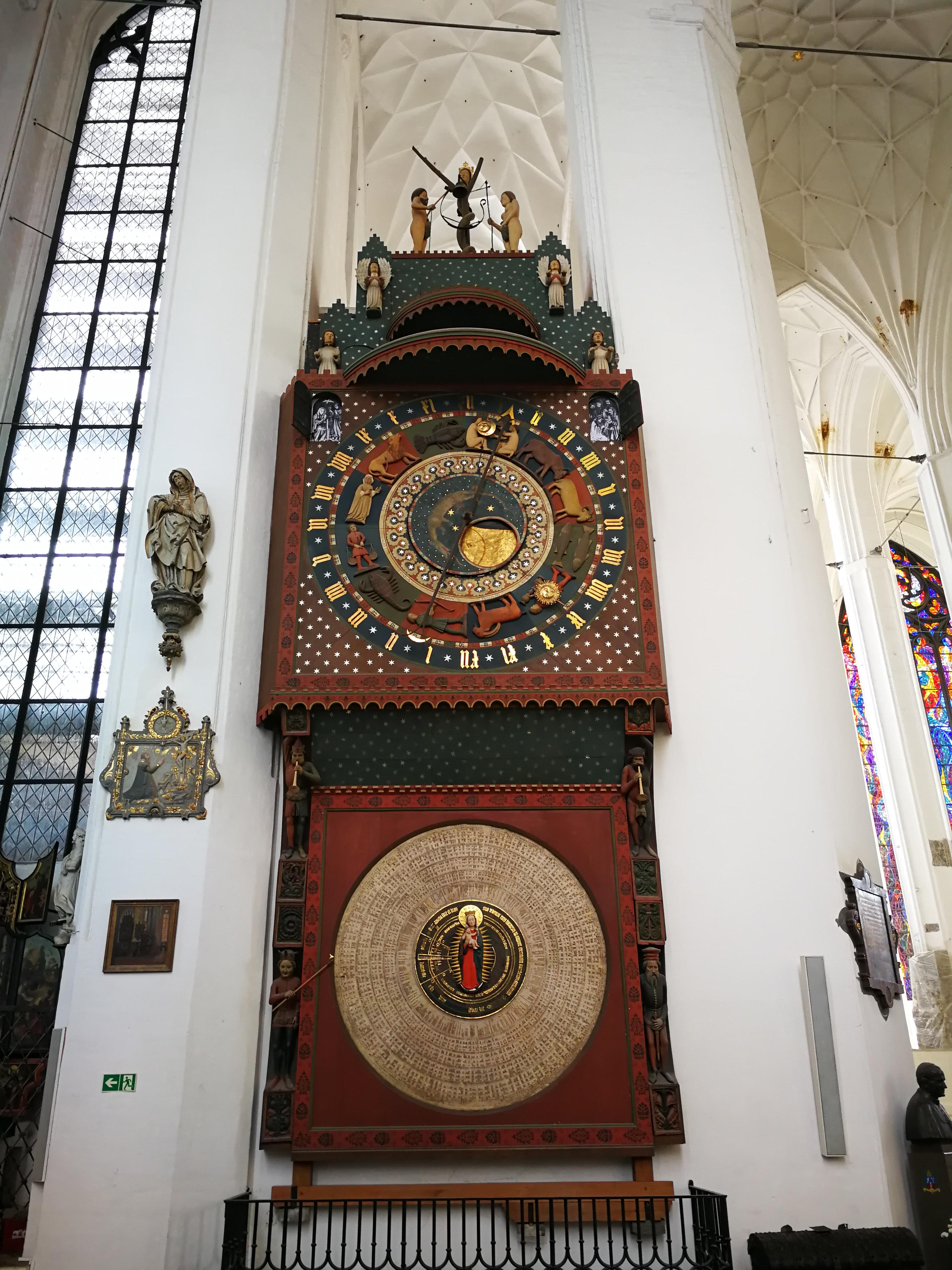 Basiliek van de Heilige Maagd Maria, Gdansk. Astronomische klok. Ania Anna Kotula. www.gidsingdansk.nl